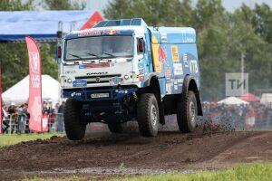 Экипаж Сотникова сохранил лидерство в зачете грузовиков на восьмом этапе «Шелкового пути»