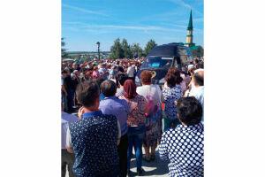 В Башкортостане проходит церемония прощания с Ханией Фархи