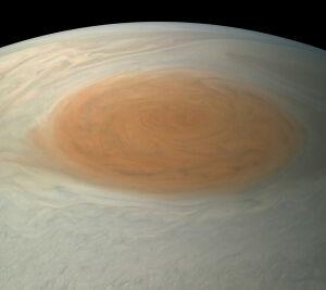NASA впервые обнародовало реалистичный снимок Большого красного пятна Юпитера