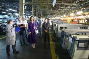Зампредседателя Госдумы РФ посетила «КАМАЗ» как промышленная туристка