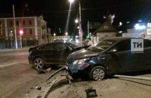Видео: В Вахитовском районе произошло серьезное ДТП
