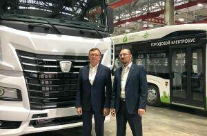 Сергей Когогин назвал получателей первых грузовиков К-5 в интервью Андрею Кузьмину