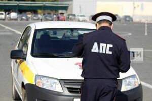 В Казани пожилые водители соревнуются в быстрой и безопасной езде