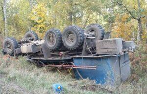 В Татарстане погиб водитель вылетевшего в кювет «КАМАЗа»