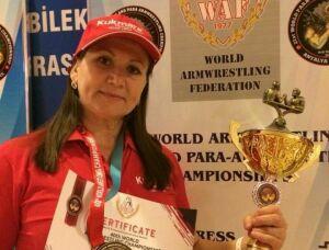 Тренер из Кукмора завоевала «золото» на чемпионате мира по армрестлингу в Турции