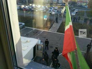 В суд Набережных Челнов доставили задержанных накануне боевиков ячейки ИГ*