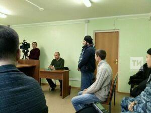 Задержанному по обвинению в участии в ячейке ИГ* гражданину Таджикистана суд предоставил переводчика