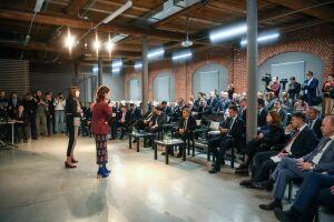 Рустаму Минниханову презентовали проекты архитектурного воркшопа «МАРШ-2018 в Казани»