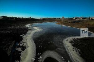 Первый лед представляет смертельную опасность для рыбаков и любителей прогулок