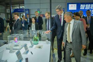 Президент Татарстана посетил выставку высоких технологий в Шэньчжэне
