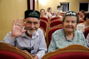 70% городских и 85% сельских татар в качестве родного языка признают татарский