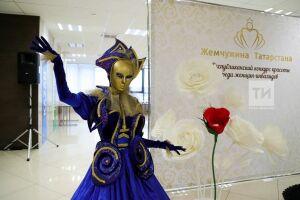 «Жемчужины Татарстана» прыгают с парашютом, дарят подарки и получают работу мечты