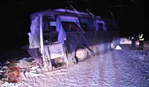 Жертвами ДТП с участием фуры и автобуса в Красноярском крае стали 4 человека