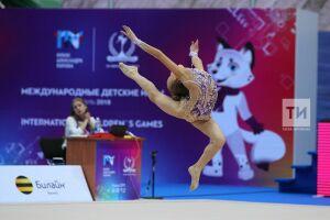 Татарстанские спортсменки завоевали восемь медалей натурнире похудожественной гимнастике