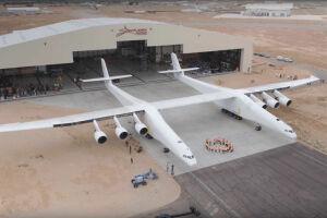 Опубликовано видео испытаний крупнейшего в истории авиации самолета