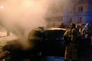 В Челнинских дворах сгорел «БМВ» из Башкортостана