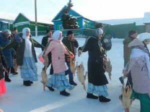 В Тетюшском районе прошел праздник ощипывания гусей
