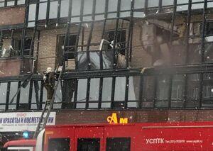 В Петербурге в жилом доме взрыв выбил окна и балконы третьего этажа