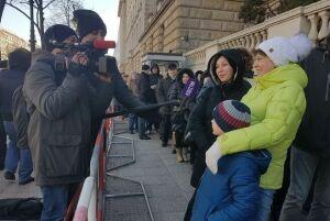 ВПосольство РФвБерлине стоят очереди изжелающих проголосовать