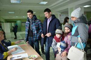 Братья-близнецы из Агрыза проголосовали в родной школе