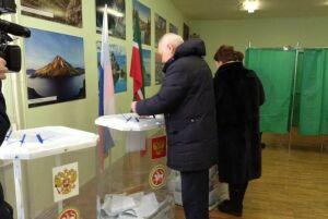 Депутат Гильмутдинов проголосовал на выборах Президента РФ