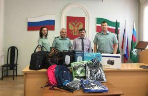 В Татарстане судебные приставы привезли подарки воспитанникам приюта «Камские зори»