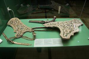 Маленькая выставка больших ценностей: В Казань привезли «Царские дары» из Санкт-Петербурга