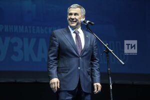 Рустам Минниханов сохранил лидерство вмедиарейтинге губернаторов ПФО