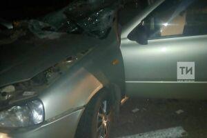В Альметьевском районе РТ погибла пассажирка легковушки, влетевшей в трактор