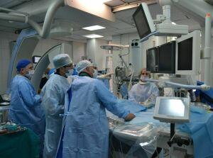 Врачи Казани научились у коллег из Пензы менять сердечный клапан через катетеры