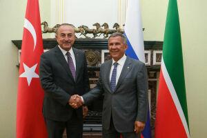 Рустам Минниханов в Казанском Кремле встретился с главой МИД Турции