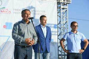 Рустам Минниханов призвал привлекать в волонтеры активных людей пожилого возраста