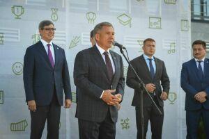 Минниханов поздравил выпускников Университета Иннополис с окончанием учебы