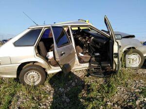 Водителя легковушки зажало в салоне авто в результате ДТП в Нижнекамском районе РТ
