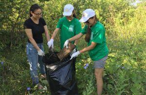 Более двух тысяч жителей Азнакаево собрали 100 тонн мусора на побережье реки Черной