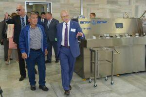 Минниханову показали продукцию чистопольской фирмы «Бетар»