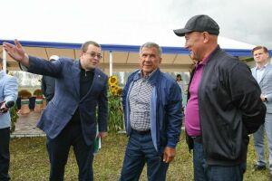 Президент РТ встретился с аграриями Алексеевского района