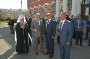 Минниханов иКириенко осмотрели строящийся собор Казанской иконы Божией Матери