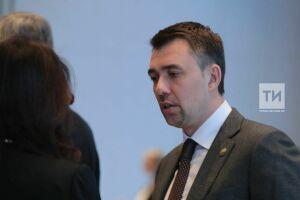 Министр поделам молодежиРТ встретился савтором петиции повозвращению студентам проездных