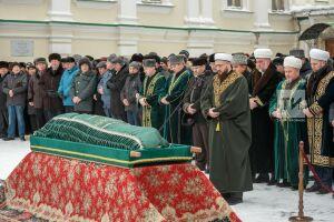 Джаназа-намаз по Ильгаму Шакирову в мечети «Аль-Марджани» прочитал Камиль хазрат Самигуллин