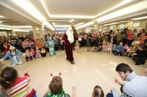 В Нижнекамске на Рождественских встречах водили хороводы и пели колядки