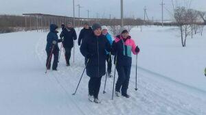 На набережной поселка Муслюмово состоялся марафон по скандинавской ходьбе
