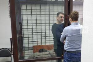 В суд доставили главу исполкома Чистополя, которого подозревают во взяточничестве