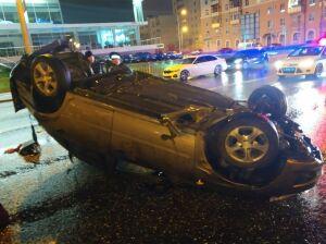 В Казани погиб 18-летний парень, вылетев через лобовое стекло перевернувшейся «Лады»