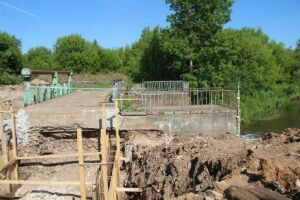 На «Ушковских островах» в Менделеевске идет ремонт берегоукрепительной дамбы