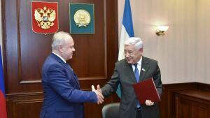 Парламенты Татарстана и Башкортостана подписали меморандум о развитии сотрудничества