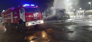В Татарстане сгорела фура с печеньем из Свердловской области, водитель получил ожоги