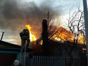 В сгоревшем доме в Бугульме пожарные нашли тело 71-летнего мужчины