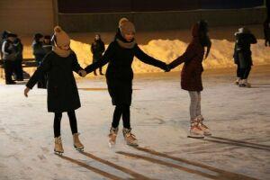 В Елабуге открылись два ледовых катка, 1 декабря зальют еще два