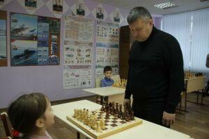 В Мамадыше международный мастер спорта по шахматам провел сеанс одновременной игры